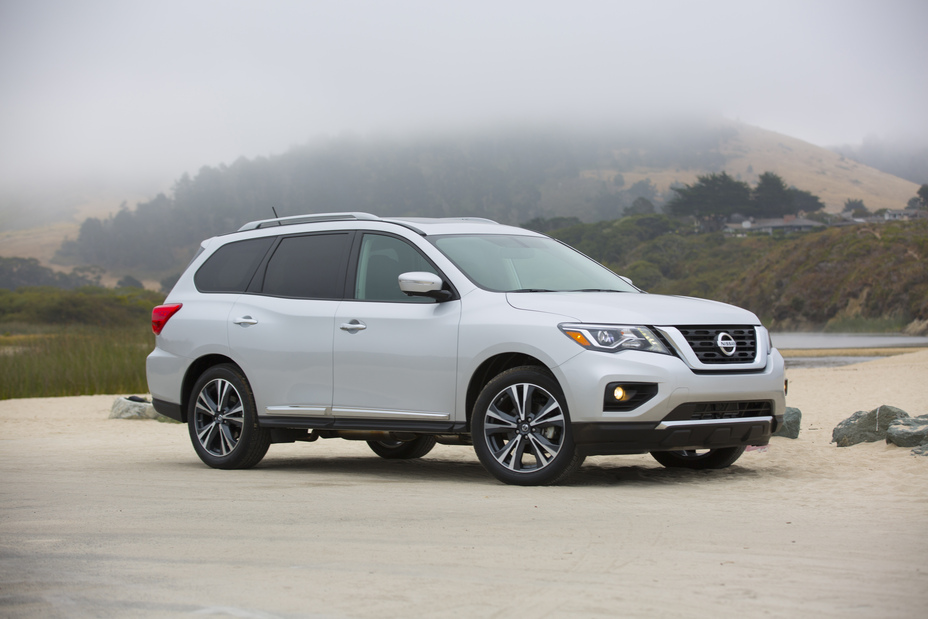 Nissan Pathfinder Named One Of The 12 Best Family Cars 2017 By Kelley Blue Book S Kbb