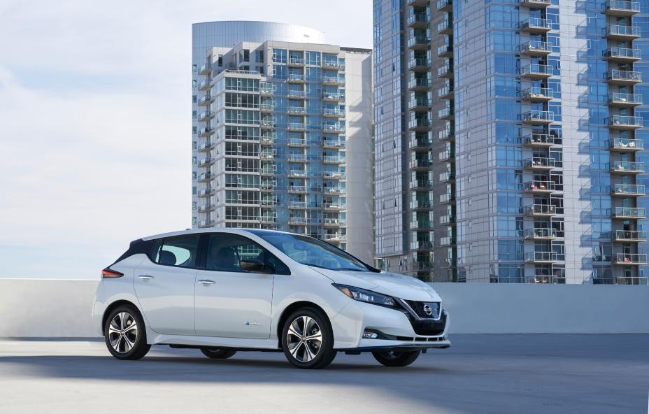 nissan leaf e joins world s best selling electric vehicle family. Black Bedroom Furniture Sets. Home Design Ideas