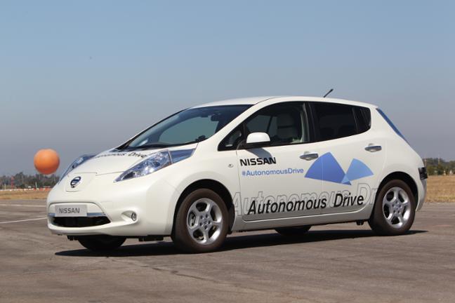 日産自動車、自動運転の取り組みを発表