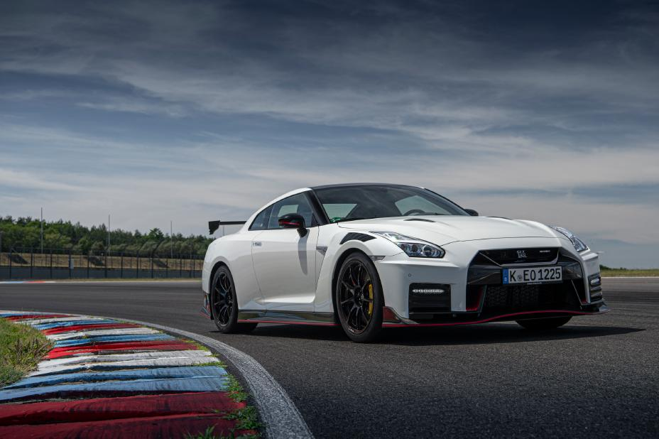 Nissan announces U.S. pricing for 2020 GT-R NISMO, GT-R ...