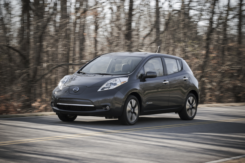 nissan leaf earns top safety pick from iihs. Black Bedroom Furniture Sets. Home Design Ideas